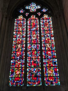 Glas-in-lood-raam van de kathedraal in Tours