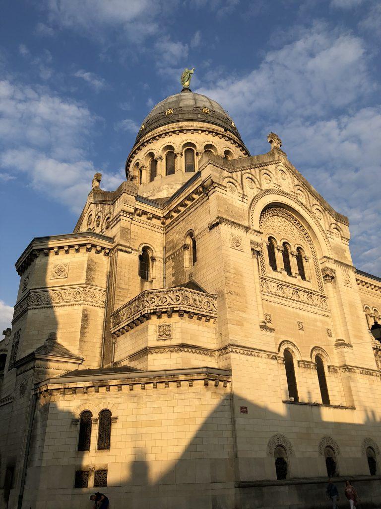 Zomaar een kerkje in Tours